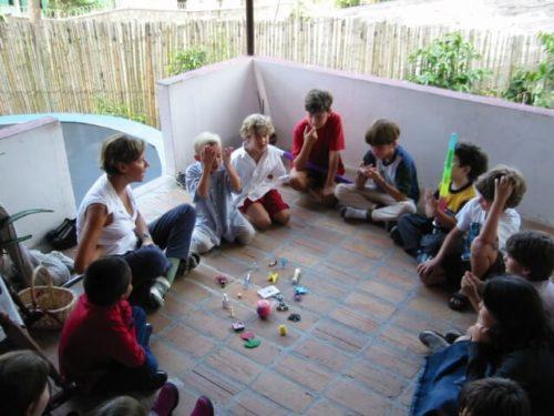 aiutare i bambini espatriati